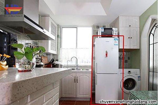 để tủ lạnh trong phòng ngủ có hại không